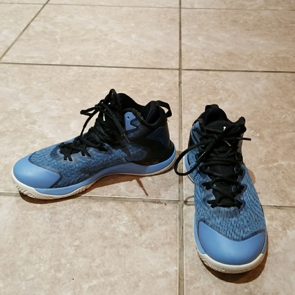 AIR JORDAN BASKETBALL SHOES YOUTH SIZE 5.5 Y